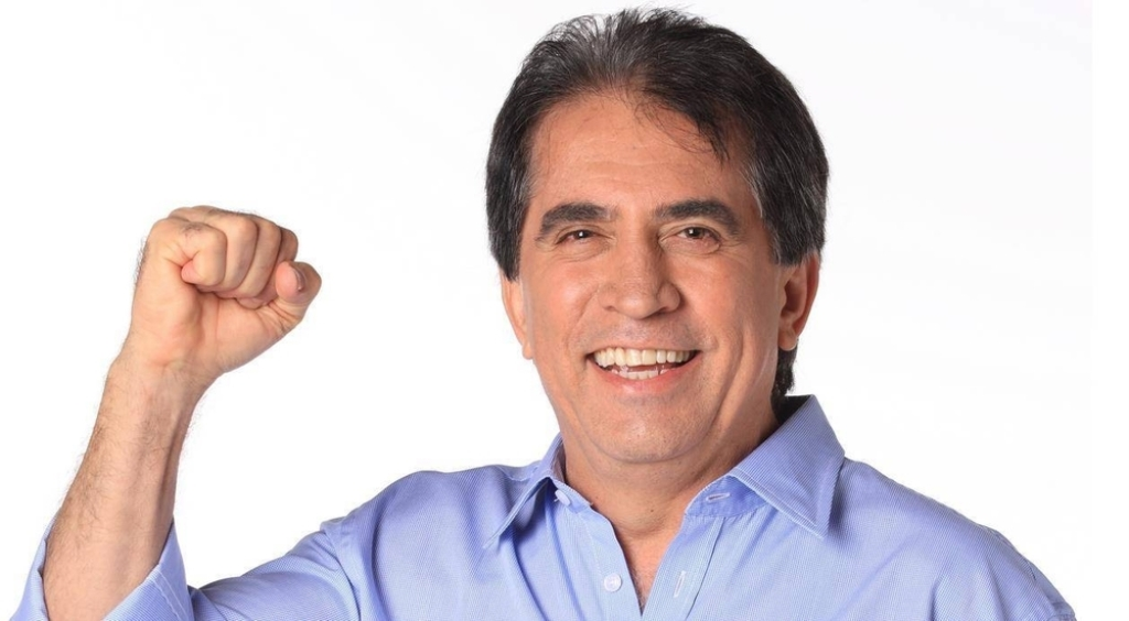 Eli Corrêa #QueSaudadeDeVocê