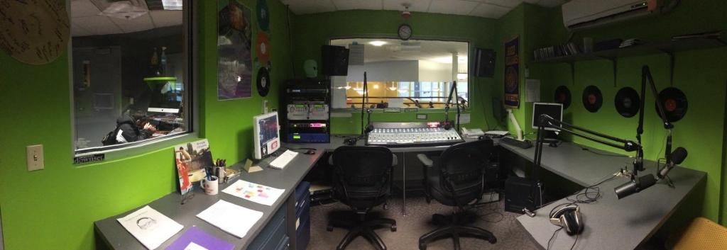 WQRI 88.3 FM