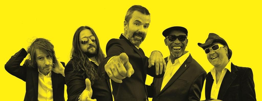 Rock and Bar