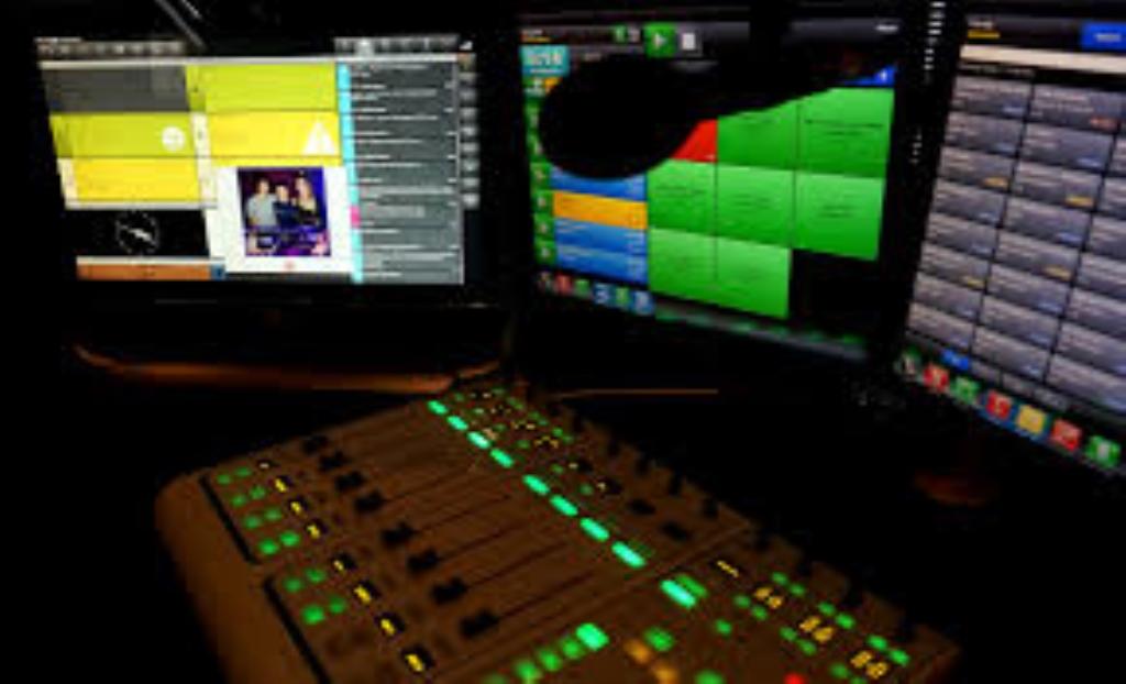 SYSTEM FM